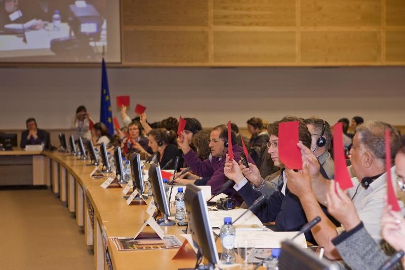 2012-pep-meeting-eu-commission-red-card-1kopie